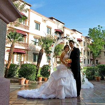 Great for weddings - Photo of bride and groom